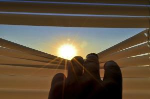 blinds-201173_1280
